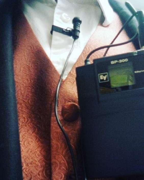 Wireless microphone rentals