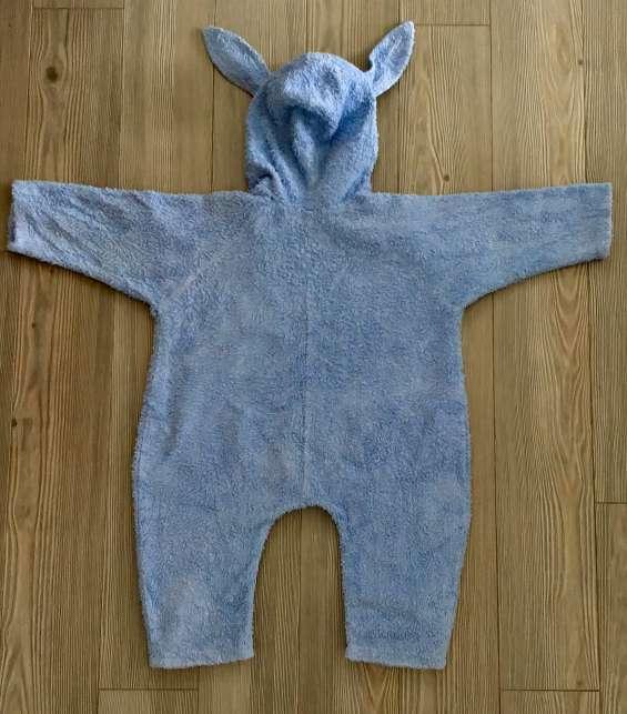 Vêtement pour bébé garçon 6 -12 mois . pyjama après le bain/ clothes for baby boy 6-12 months old. pajama after bath