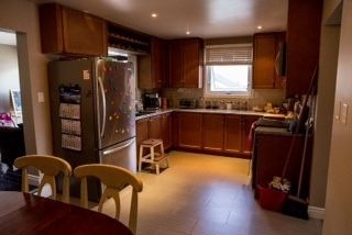 3 beds 1 bath 2 storey beautiful renovated semi detached move in ready!!!!!!!!